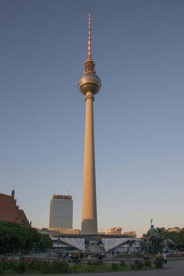 Berlijn_Berlijn_Fernseh_Turm_102.jpg