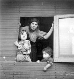 In Marzahn geïnterneerde moeder met kinderen